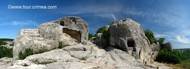 Путешествие к пещерному городу  Эски-Кермен и замку-крепости Кыз-Куле